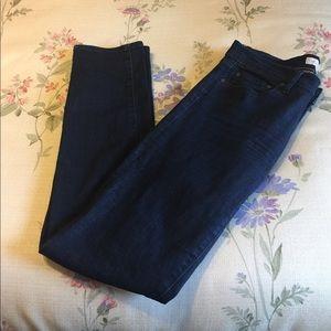 Tory Burch Super Skinney Jeans.